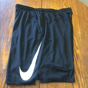 Men's Nike basketball shorts size XXL